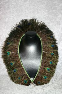Federkragen Pfauengras mit 17 Pfauenaugen
